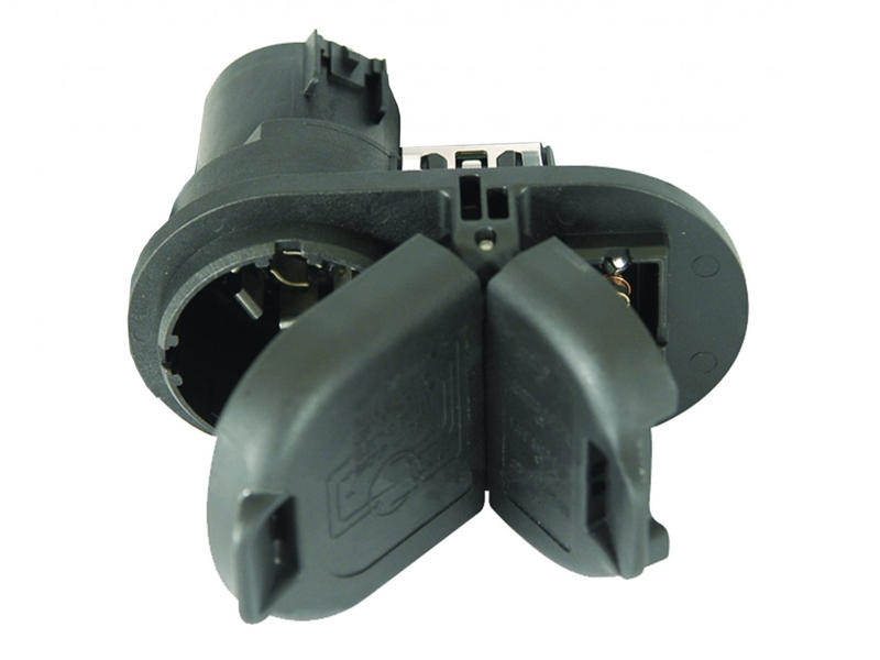 7-Way / 4-Flat Combination Socket